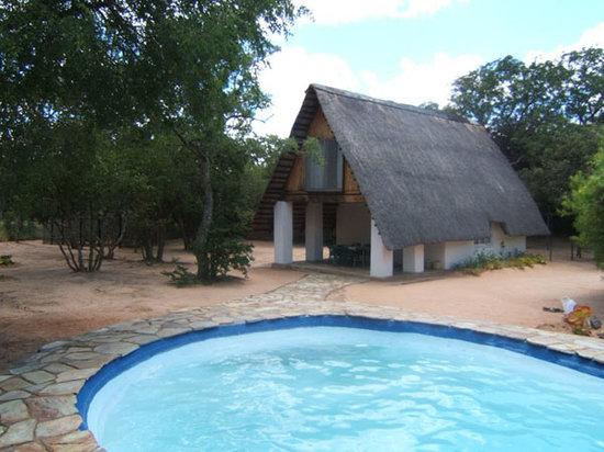 Maduma Boma Game Conservancy : Hongoni chalet - 4 people.
