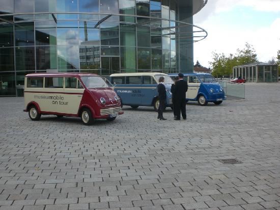Audi Museum: Tour mit historischen Transportern
