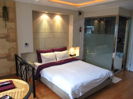 Amourex Hotel: Standard Double Room.