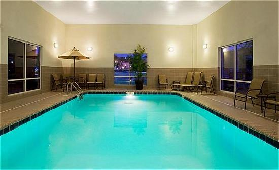 Holiday Inn Express Hotel & Suites Lake Zurich-Barrington : 24 Hour Indoor Heated pool