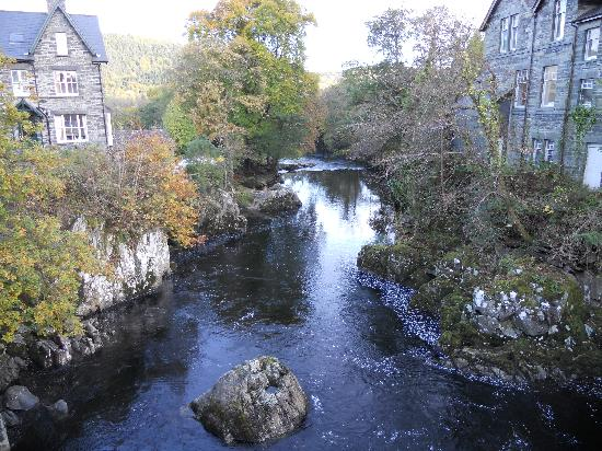 Ty Blaidd Bed and Breakfast: Betws-y-Coed (4 miles away)