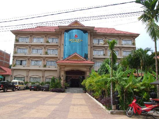 New Riverside Hotel: Hotel Front