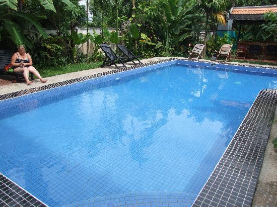 New Riverside Hotel: Hotel Swimming Pool