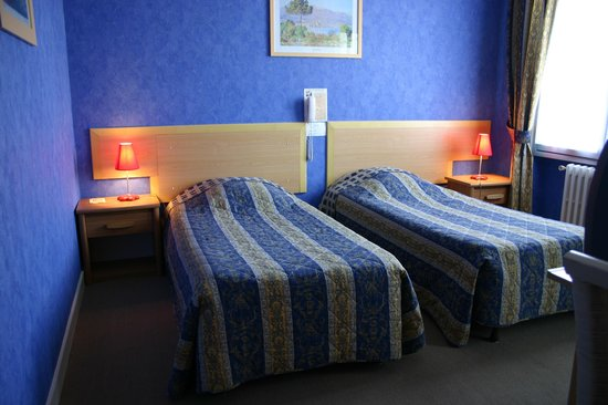 Hotel Anne De Bretagne: Chambre (1er étage) - Room (1st floor)
