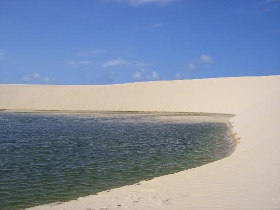 Barreirinhas, MA: Lagoa verde em Atins