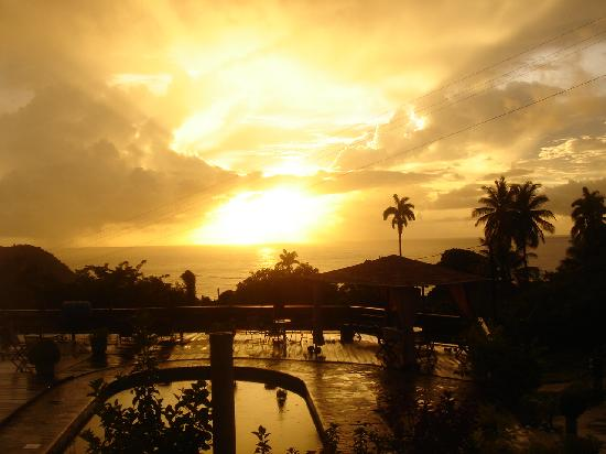OhLaLa Villas: A view of the sunrise from the apartment