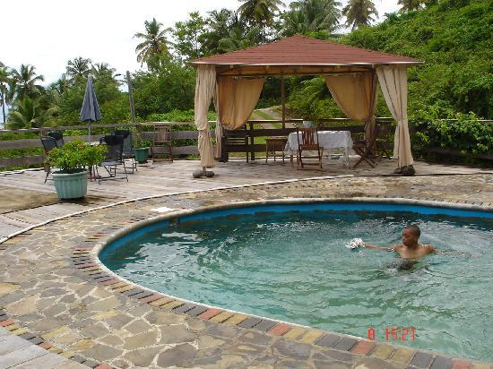 OhLaLa Villas: Cooling off in the pool