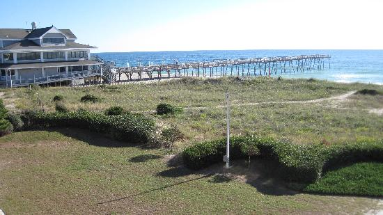 Surf Suites Motel : The view of Crystal Pier from 307