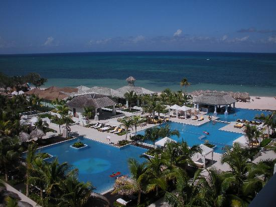 Iberostar Grand Hotel Rose Hall: Poolside room view