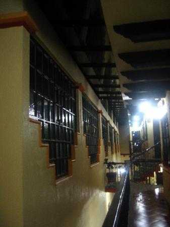 BEST WESTERN La Noria: Hotel's corridor