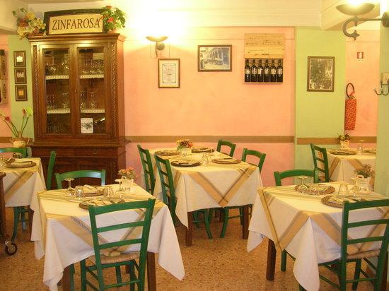 Foiano Della Chiana, İtalya: LA NOSTRA SALA....