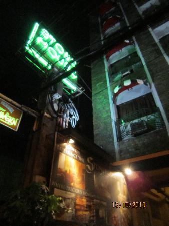 Stone House Quezon City: Stone House (Signage)