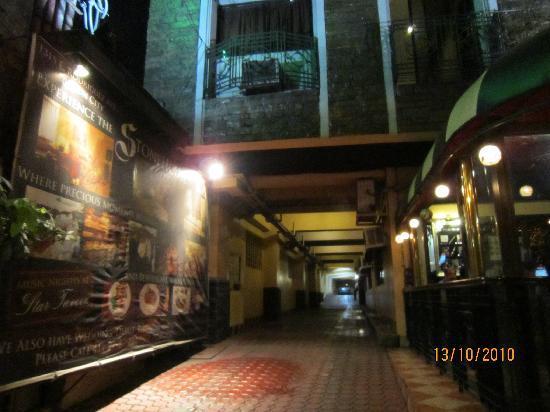 Stone House Quezon City: Stone House (Car Parking)