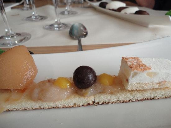 Chateau de Bourglinster : rest of the pear dessert