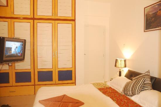 Live Inn Bangalore: Bed Room