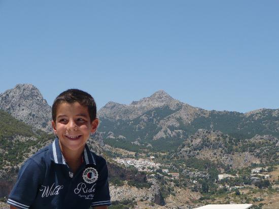 Grazalema, İspanya: Vistas desde el hotel