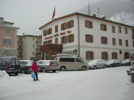 Zernez, Suiza: nevicacata