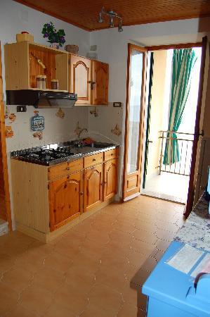 La Scogliera: Kitchen