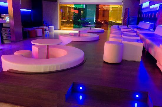 uN Lounge & Club & Sushi Bar: Zona Chill Out