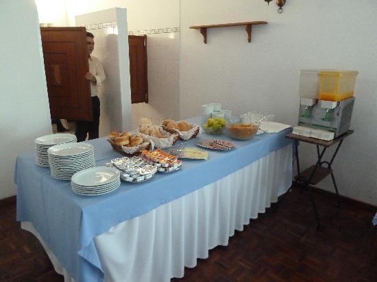 Estalagem Monte Verde & Melba: Fruehstuecksbuffet