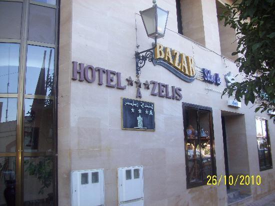 Hotel Zelis: Entrada.
