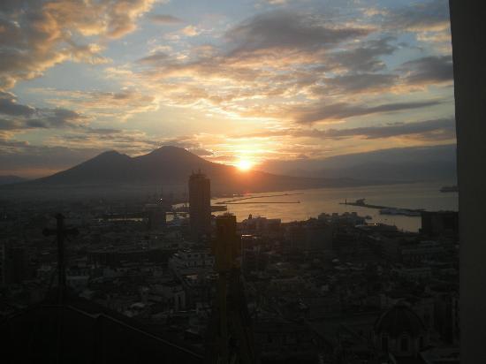 Hotel San Francesco al Monte: sunrise over vesuvius
