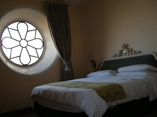 Hotel San Francesco al Monte: hotel bedroom