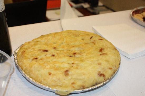 Cafeteria Restaurante Casa Dani : Best Spanish Omelette - La mejor Tortilla de Patata de Madrid!