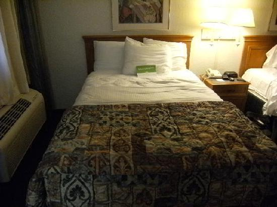 La Quinta Inn Lufkin: Bed - SO comfortable!