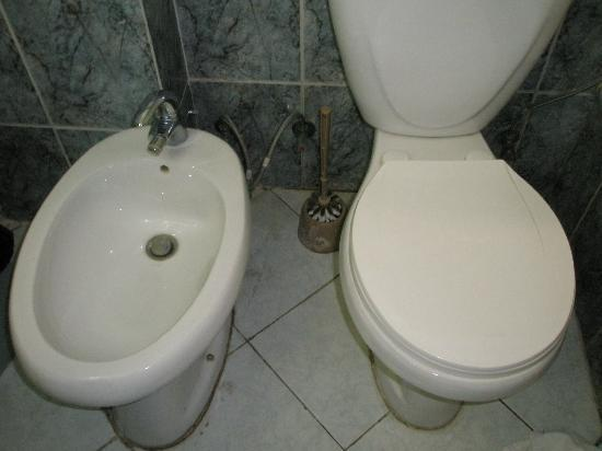 Classic Hotel: Bathroom