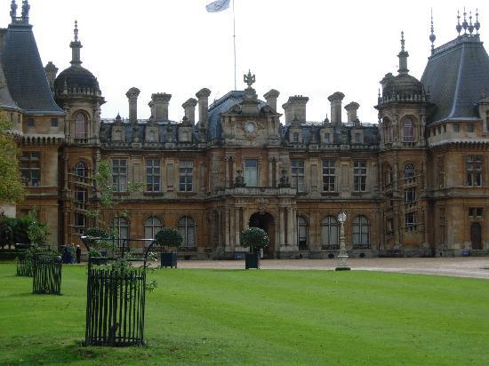 Waddesdon Manor: Front view