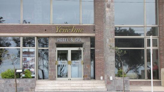 Australis Yene hue : Frente do hotel que ficamos em Puerto Madryn