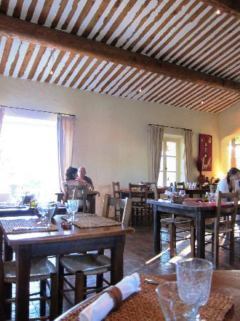Le Clos de Gustave : Restaurant interior