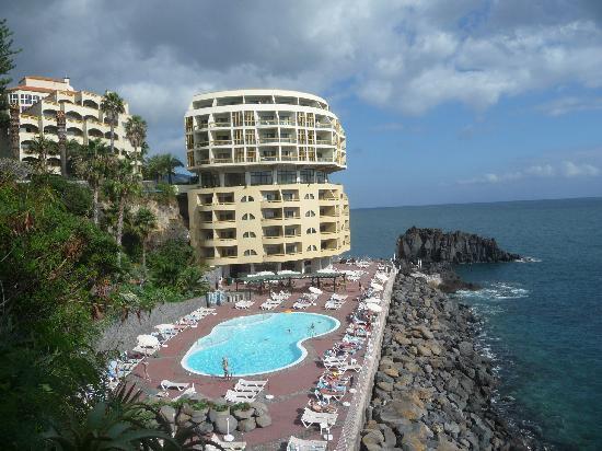 Pestana Palms Ocean Aparthotel: Teil des Hotels, Blick auf Pool und Anlage