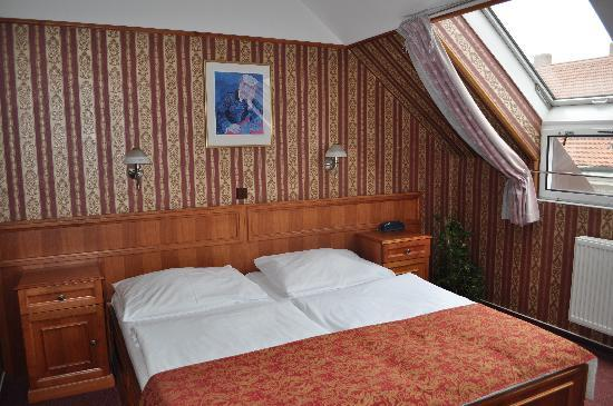 Old Prague Hotel: comfortable, if firm, mattresses