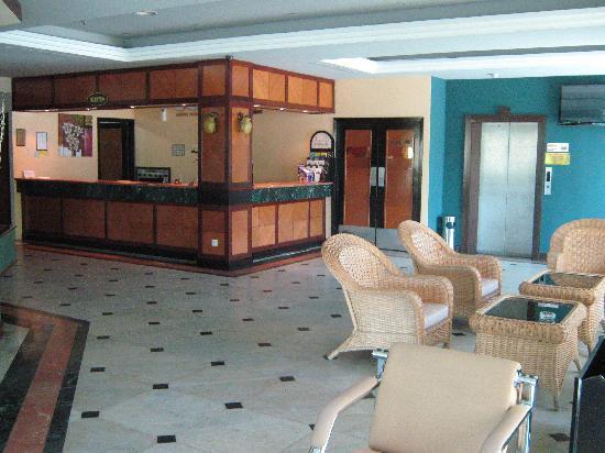 Legend Inn : Lobby & Reception Counter
