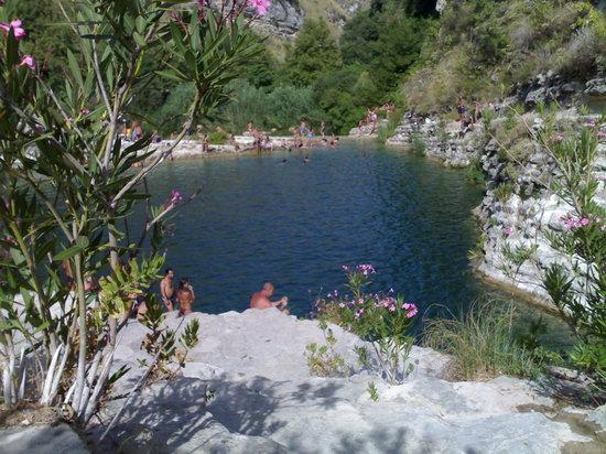 Avola, Italy: con 40° un tuffo nelle acque fresche