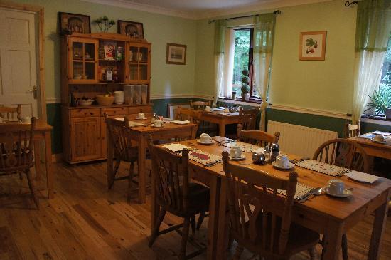 Woodside Lodge: Breakfast room
