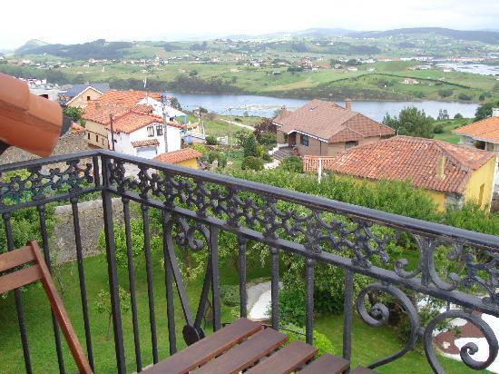 Posada Campo: Vista de la ria desde el balcon