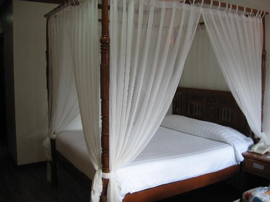 Real Maris Resort: Cool bed