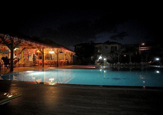 Ozturk Hotel Hisaronu: relaxing