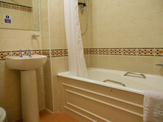 Cairngorm Hotel: Pristine ensuite bathroom