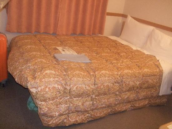 Toyoko Inn Tokyo Nihombashi: エコノミーダブルのベッド