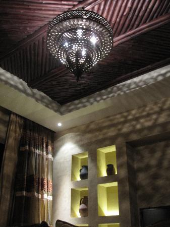 Qasr Al Sarab Desert Resort by Anantara: View of ceiling 1 bedroom pool villa #12