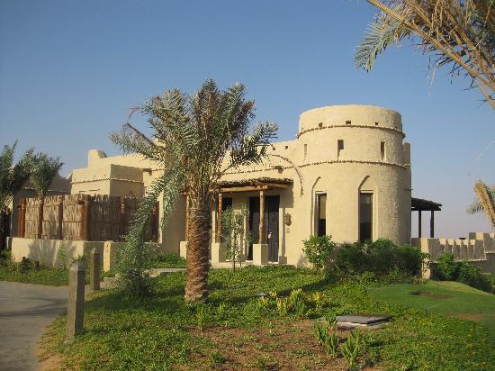 Qasr Al Sarab Desert Resort by Anantara : View of outside 1 bedroom pool villa #12