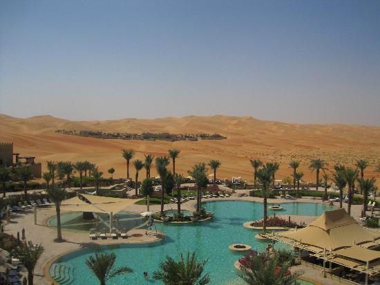 Qasr Al Sarab Desert Resort by Anantara: View of main pool