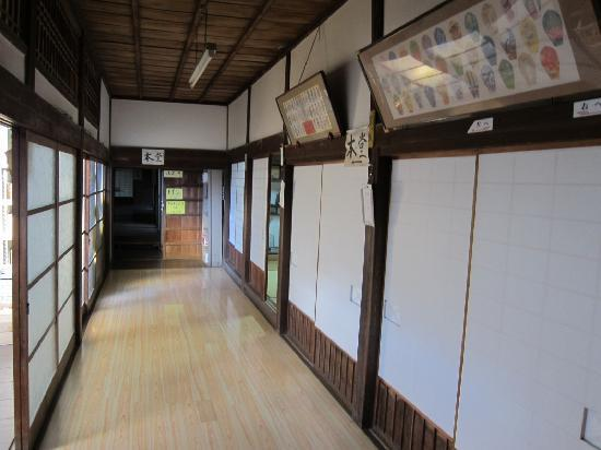 Kaiganji Youth hostel: 廊下の様子