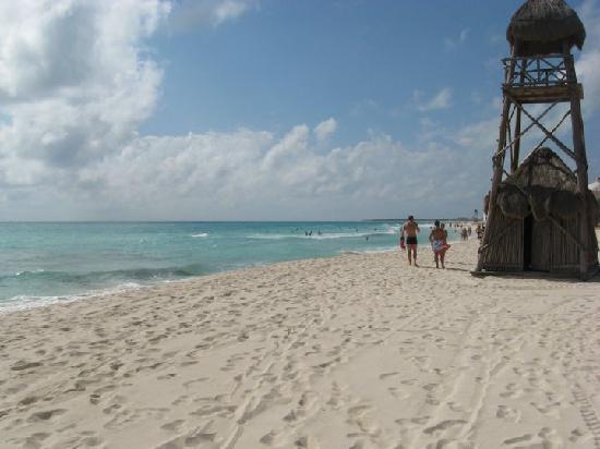 IBEROSTAR Paraiso Del Mar: La plage.