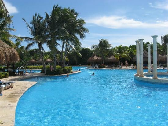 IBEROSTAR Paraiso Del Mar: La piscine.