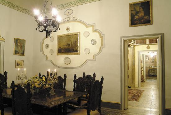 Casa Rocca Piccola: The Winter Dining Room
